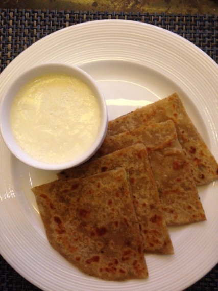 ....and the lovely Aaloo Prantha and fresh Curd